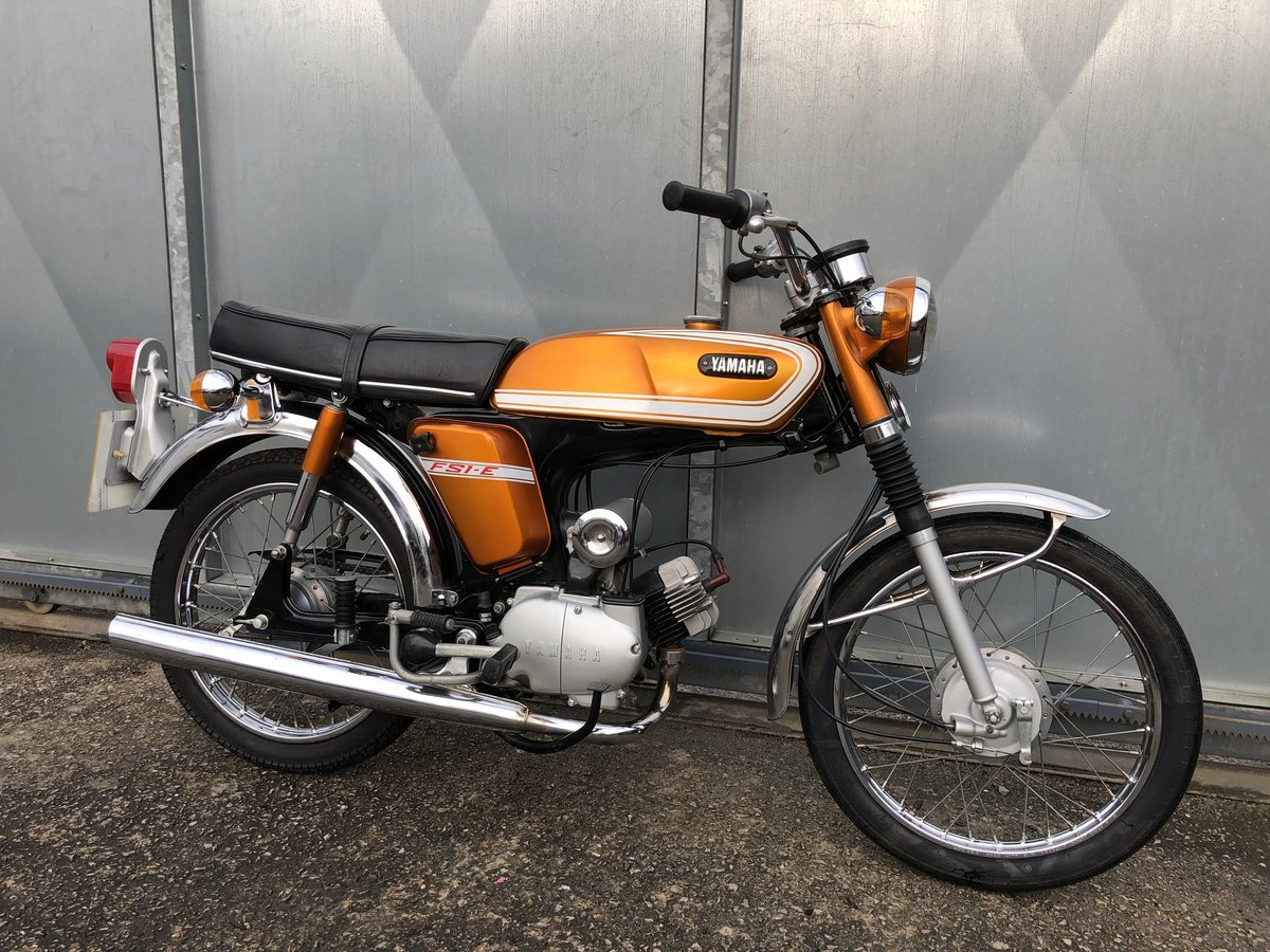 1976 YAMAHA FS1E FIZZY SIMPLY LOVELY 50CC MOPED £5495 ONO PX For Sale (picture 2 of 5)