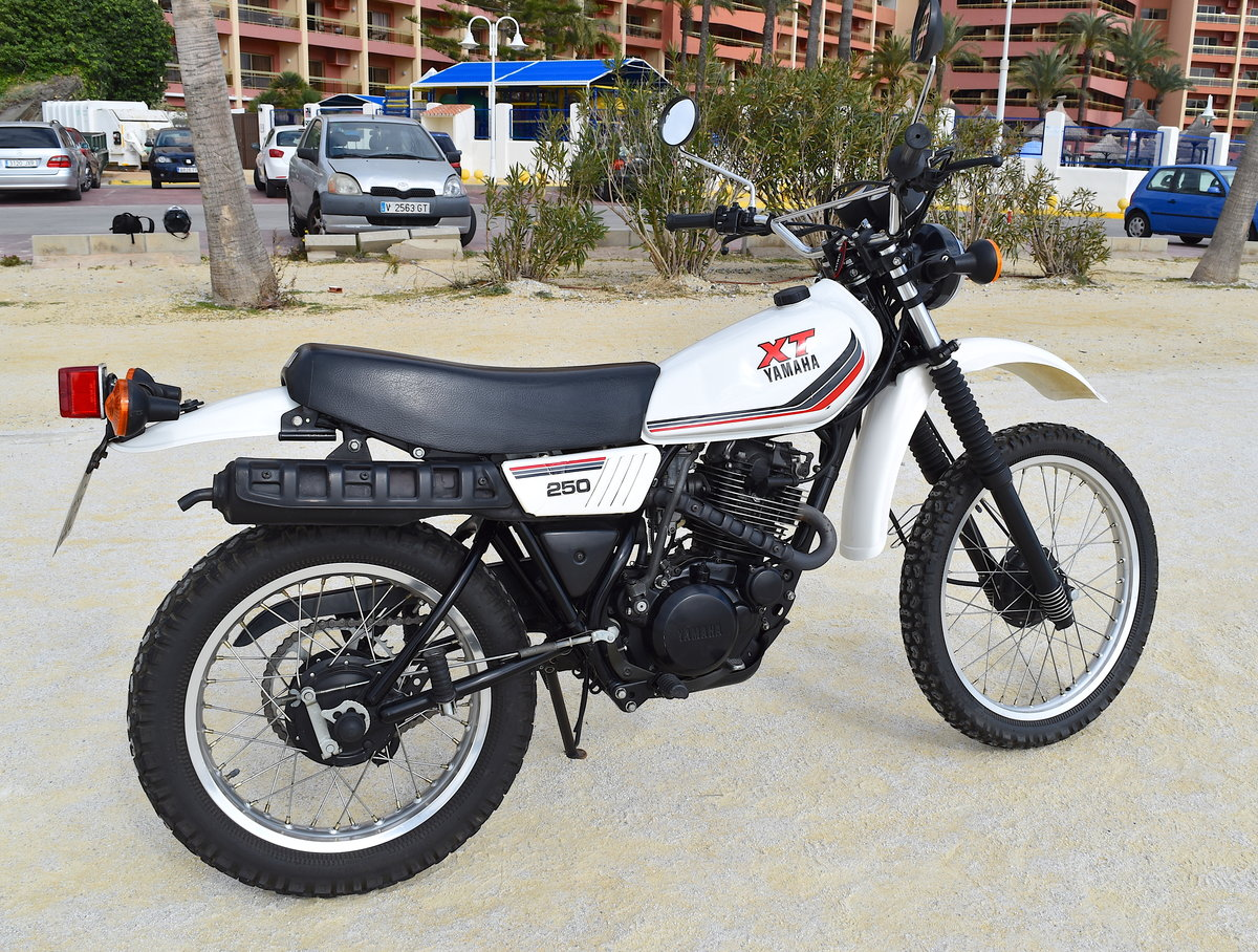 1988 Incredible Original & Unrestored Yamaha XT-250 For Sale (picture 2 of 6)