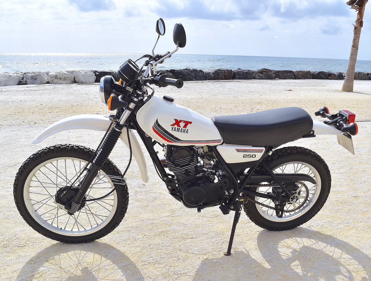 1988 Incredible Original & Unrestored Yamaha XT-250 For Sale (picture 4 of 6)