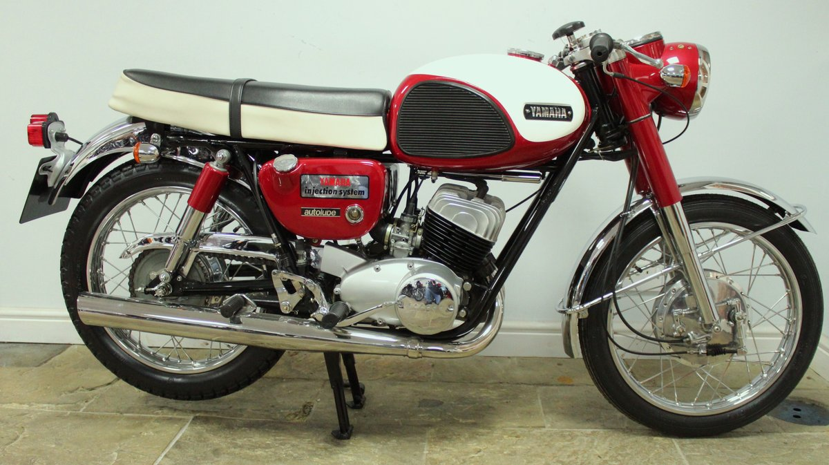 1968 Yamaha YM1 305 cc Twin Two Stroke OUTSTANDING SOLD (picture 1 of 6)