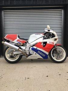 1992 Yamaha FZR 750R  ow-01