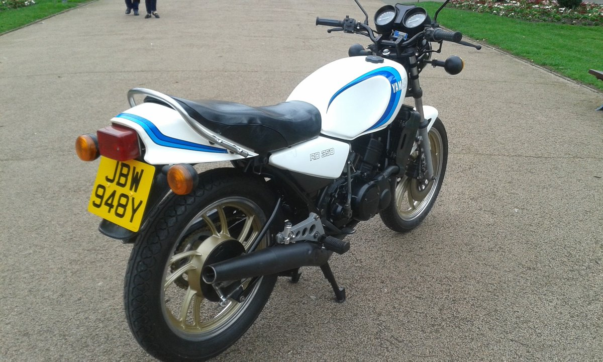 1982 YAMAHA RD350LC SOLD (picture 4 of 6)
