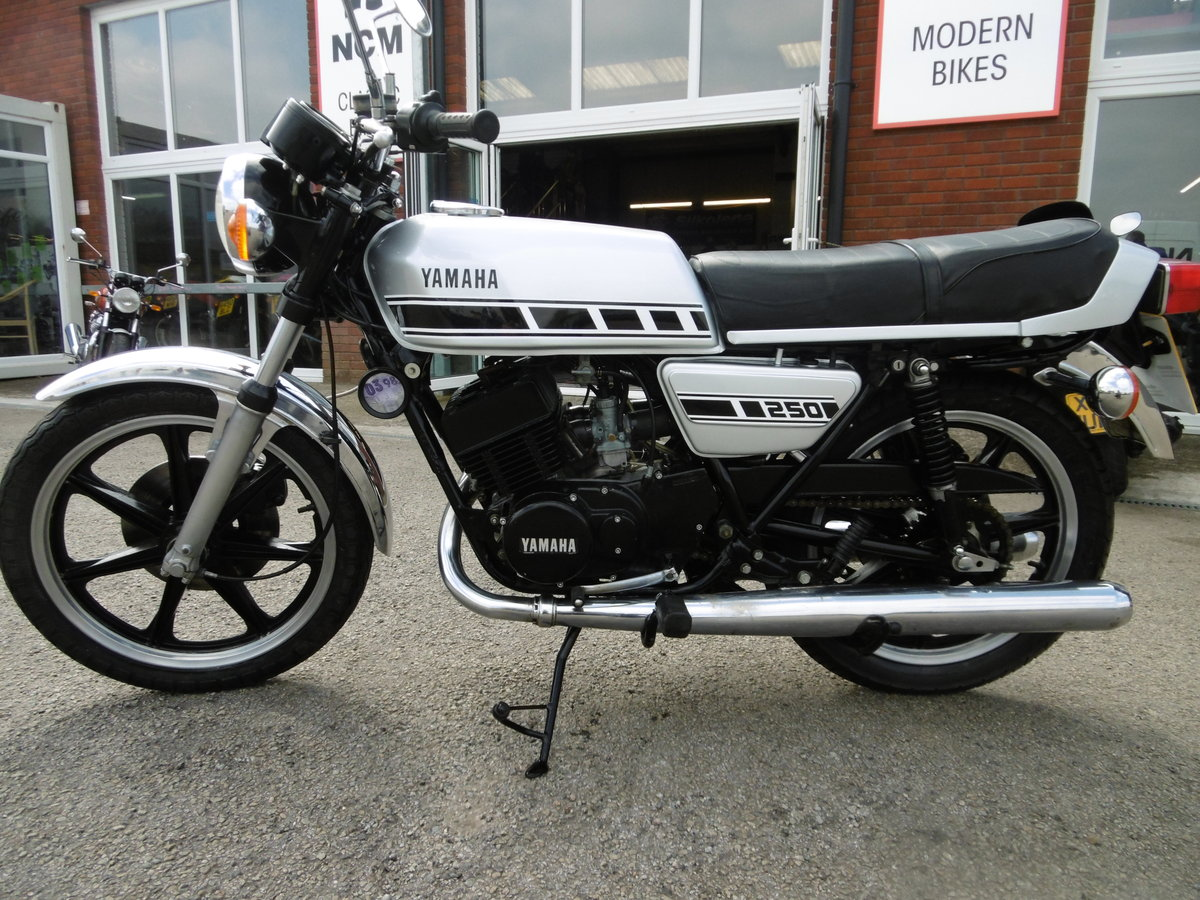 1979 Yamaha RD250 UK bike Timewarp condition .  SOLD (picture 3 of 6)