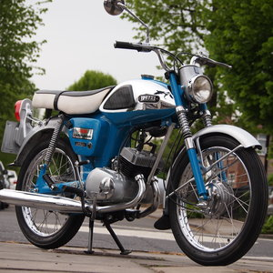 1967 YL1 100 Twin Jet Rare Classic, Won VJMC Event. SOLD