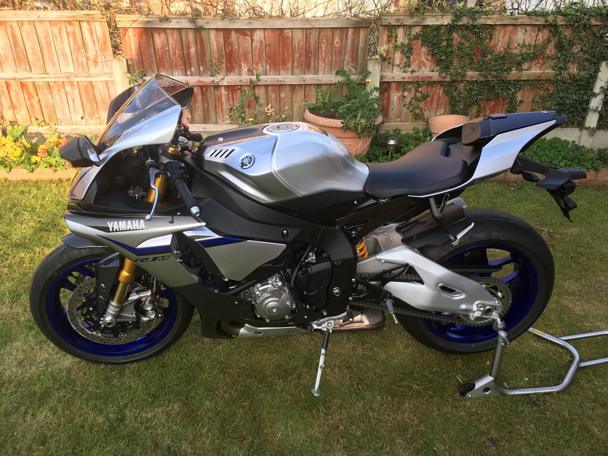 2016 YAMAHA YZF-R1M Brand New & Unregistered  For Sale (picture 3 of 6)