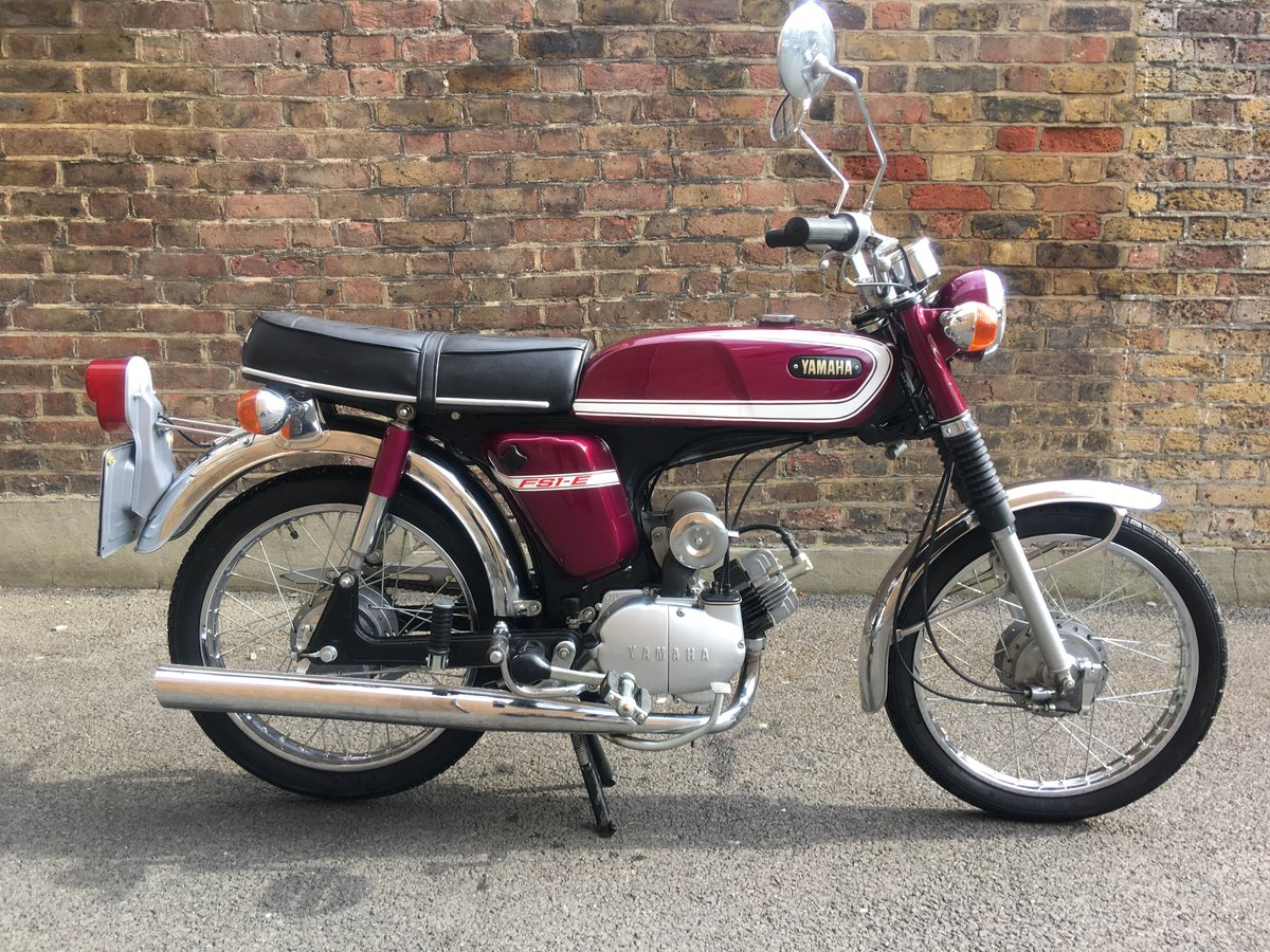 1975 Yamaha FS1E Fizzy Popsicle Purple Moped SOLD (picture 1 of 6)