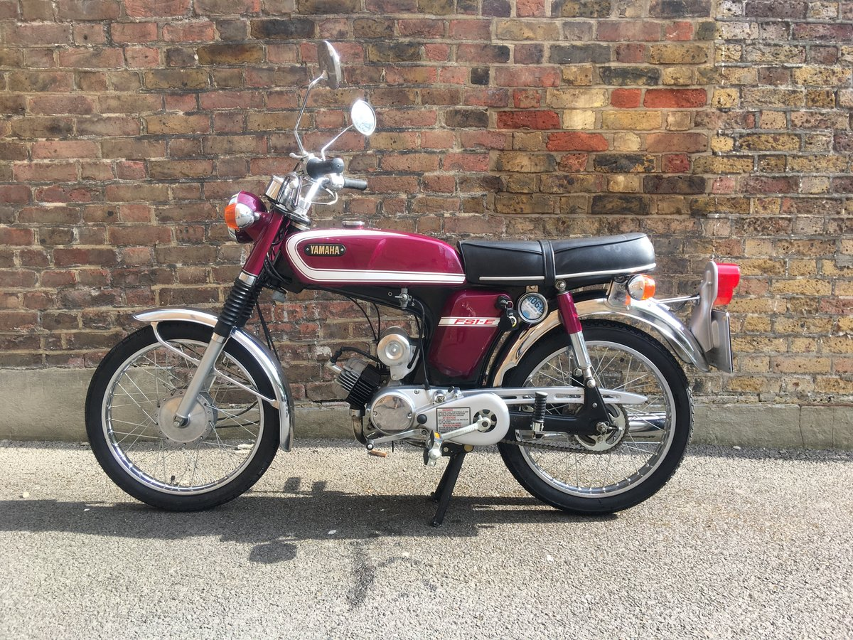 1975 Yamaha FS1E Fizzy Popsicle Purple Moped SOLD (picture 2 of 6)