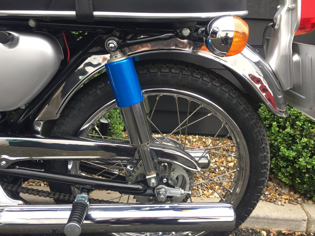 1969 YAS1 Immaculate Restoration 125cc 2 Stroke Twin For Sale (picture 3 of 6)