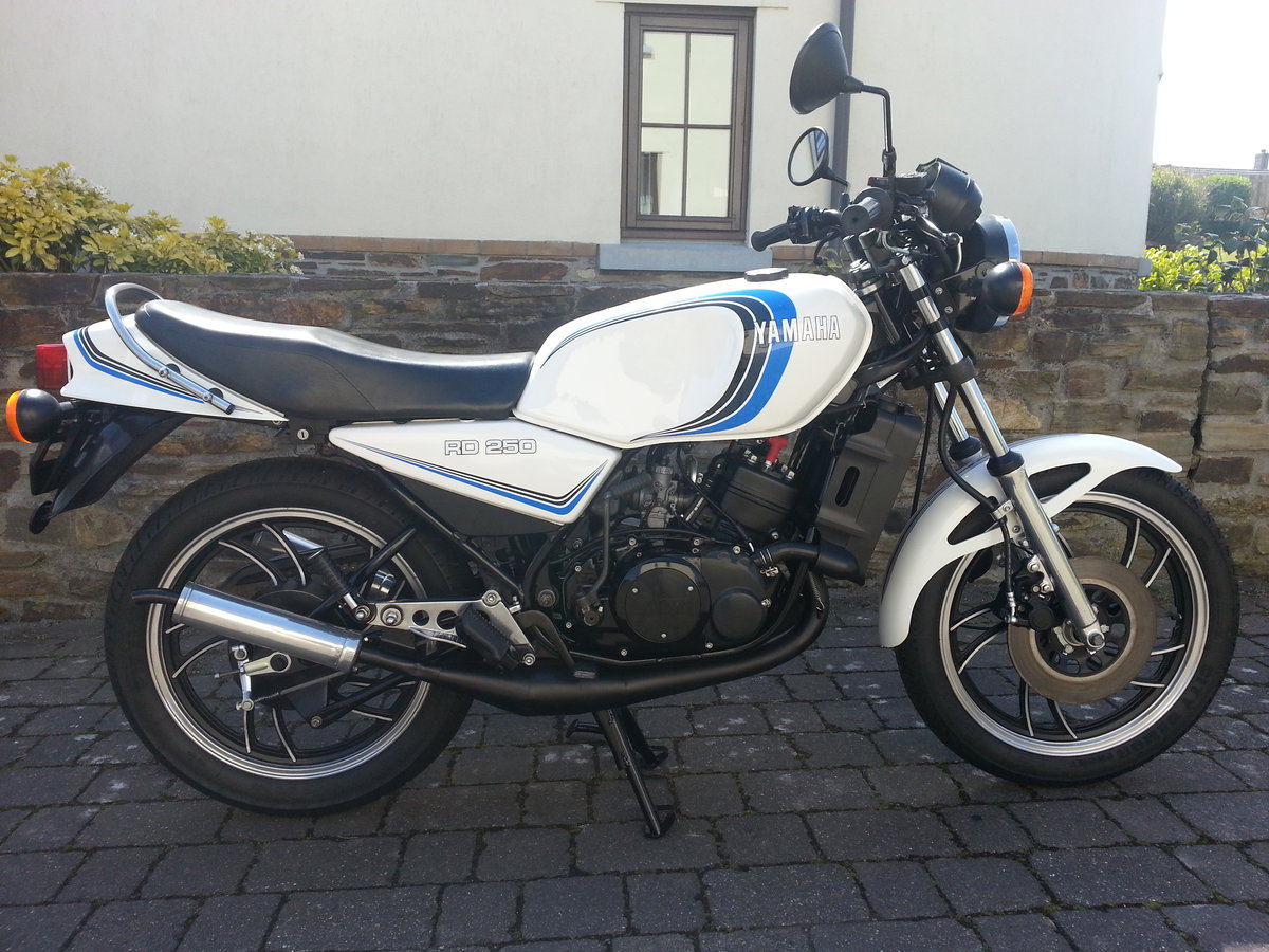 Yamaha RD250LC 1985  For Sale (picture 1 of 6)