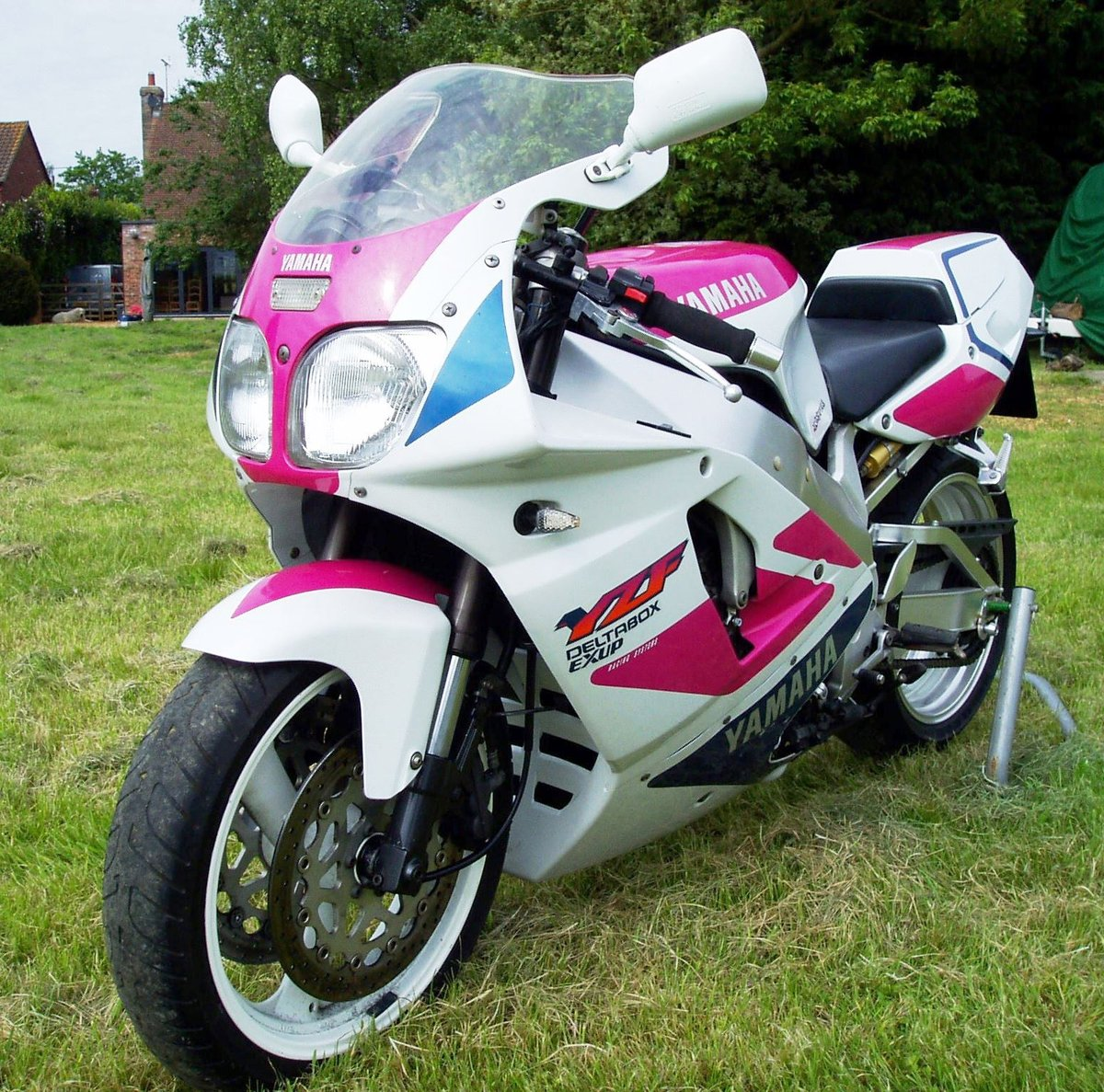 "1992 Yamaha YZF750R ""Pinkie"" Classic Superb Condition For Sale (picture 3 of 6)"