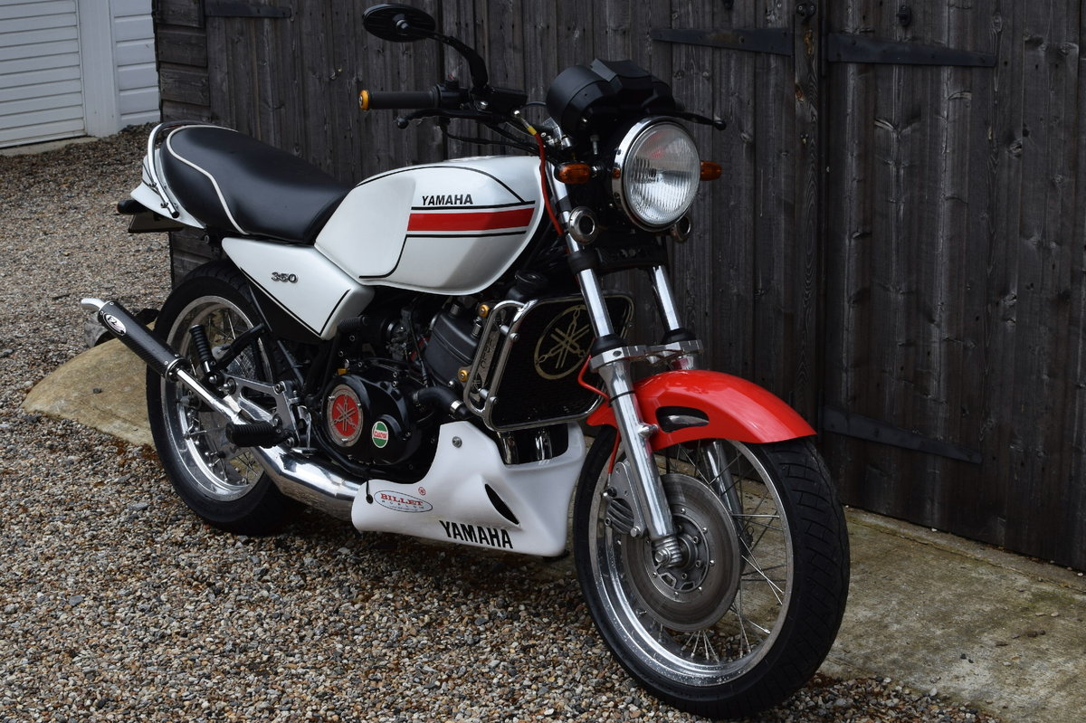 Yamaha RD 250/350 LC (UK Bike, Restored, Show Standard) 1982 For Sale (picture 2 of 6)