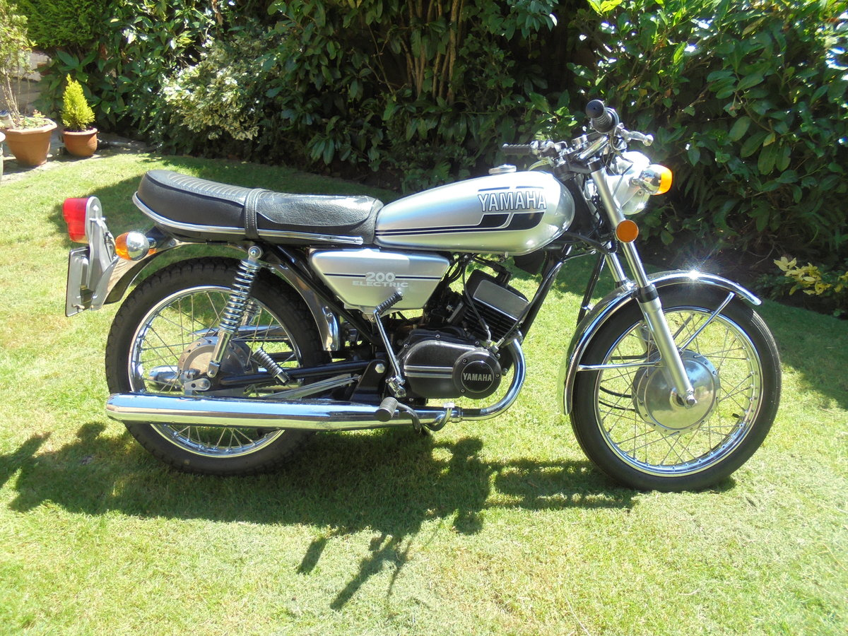 yamaha rd200 electric 1976 stunner wanted For Sale (picture 1 of 6)