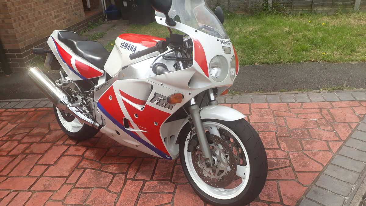 For sale Yamaha 1990 fzr1000 exup Genesis For Sale (picture 3 of 6)