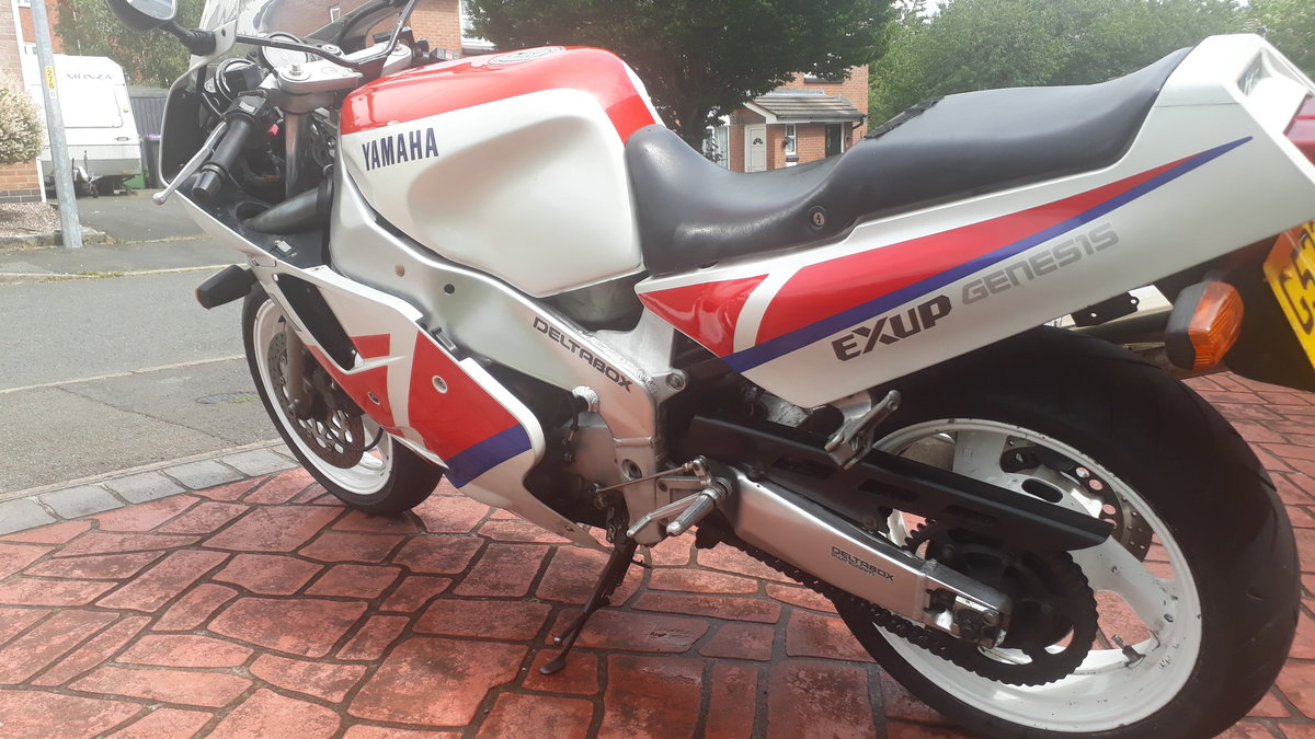 For sale Yamaha 1990 fzr1000 exup Genesis For Sale (picture 5 of 6)