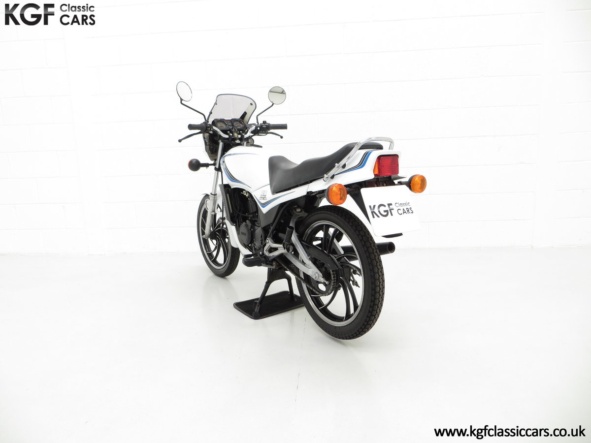 1984 An Iconic two-stroke UK Yamaha RD125LC with Matching Numbers For Sale (picture 4 of 6)