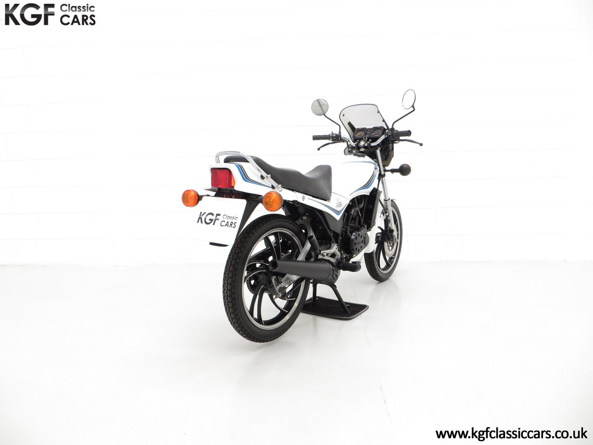 1984 An Iconic two-stroke UK Yamaha RD125LC with Matching Numbers For Sale (picture 5 of 6)
