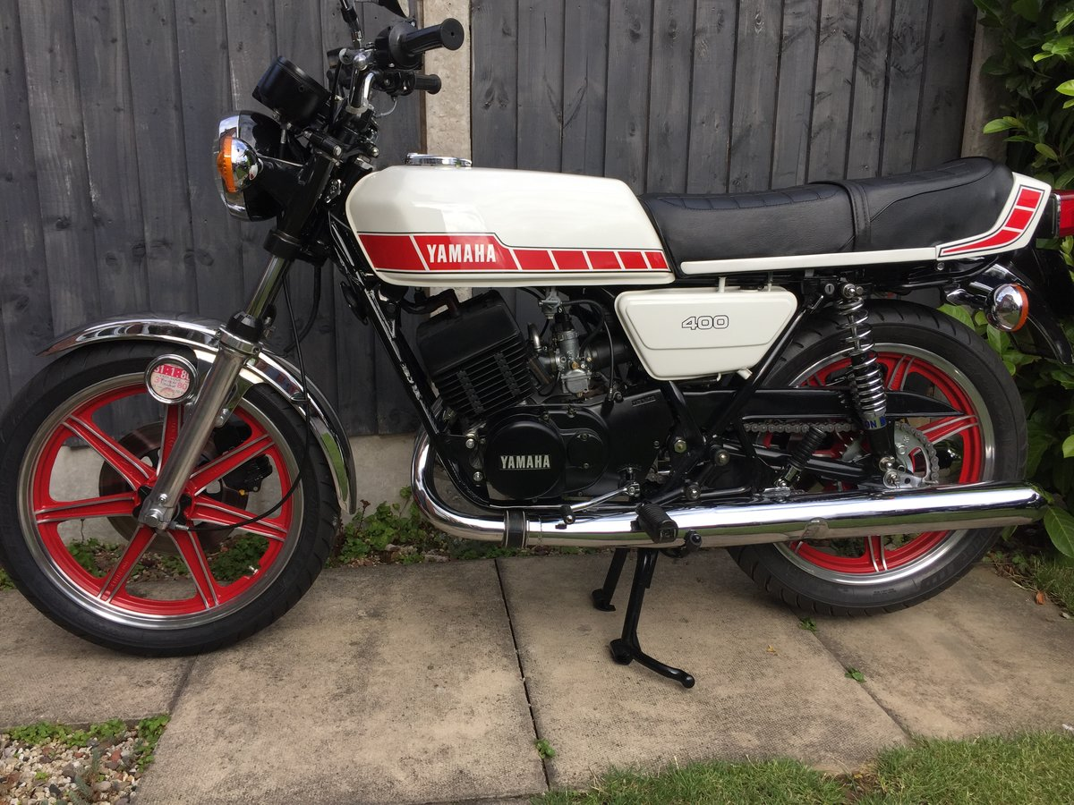 1980 Yamaha RD 400 fully restored matching no's UK bike For Sale (picture 1 of 6)