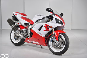 1998 Yamaha YZF R1 - Red & White - 15k Miles