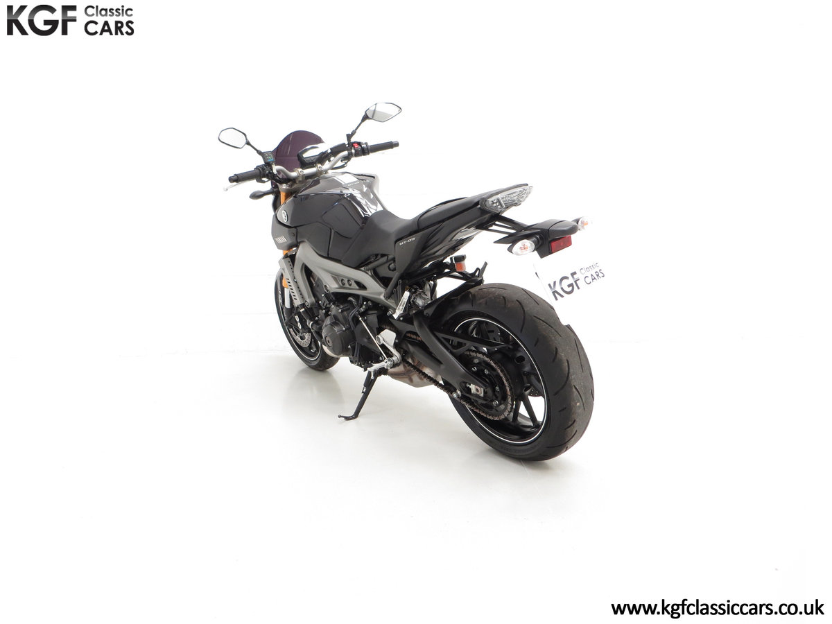 2016 A Stunning Yamaha MT-09 Triple with Just 2,205 Miles For Sale (picture 4 of 6)