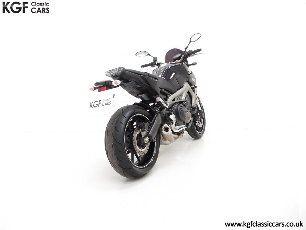 2016 A Stunning Yamaha MT-09 Triple with Just 2,205 Miles For Sale (picture 5 of 6)