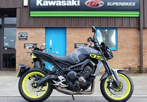 2017 17 Yamaha MT 09 ABS Naked, Akrapovic & Quickshifter