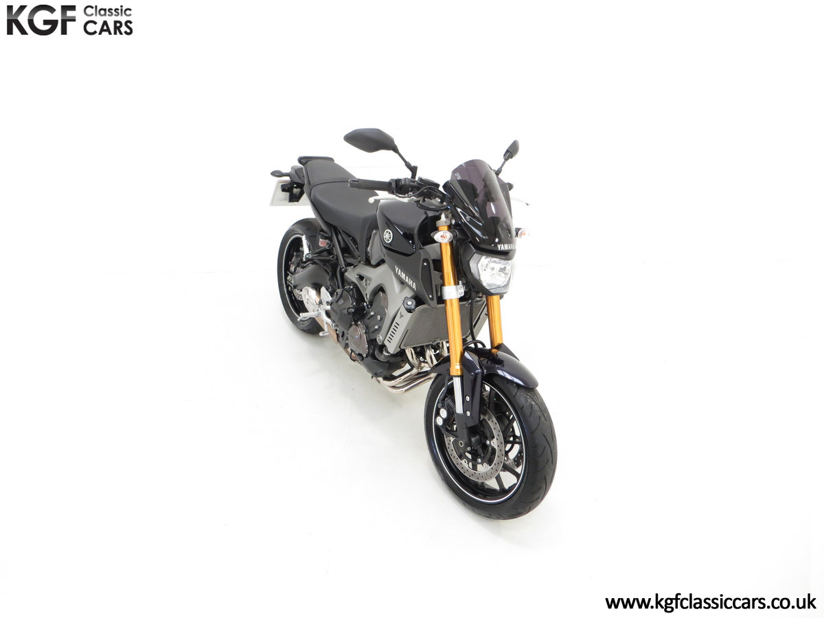 2016 A Stunning Yamaha MT-09 Triple with Just 2,205 Miles SOLD (picture 2 of 24)