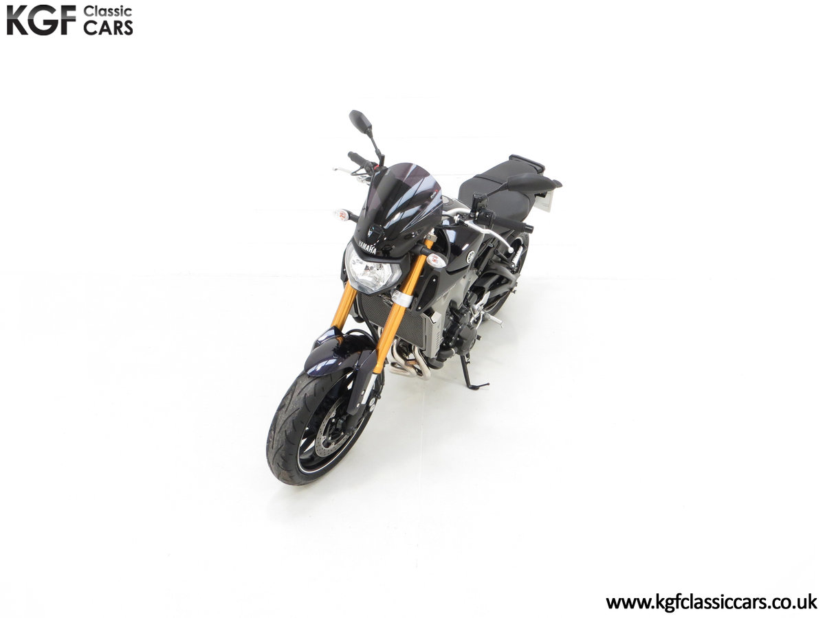 2016 A Stunning Yamaha MT-09 Triple with Just 2,205 Miles SOLD (picture 5 of 24)