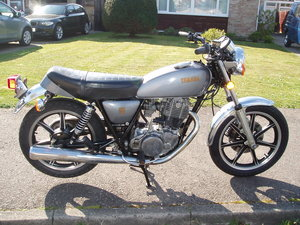 YAMAHA SR500 single cylinder