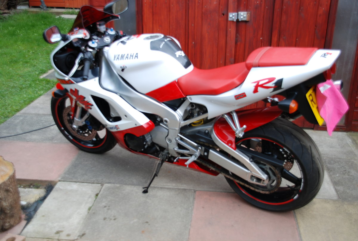 1998 YAMAHA YZF R1  For Sale (picture 6 of 6)