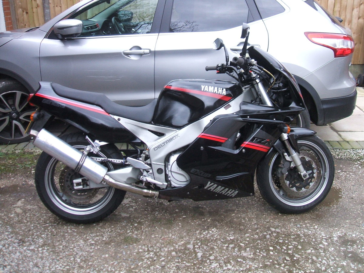 1993 Yamaha FZR1000 For Sale (picture 1 of 4)