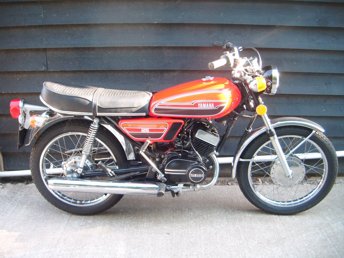 1976 YAMAHA RD125  For Sale (picture 2 of 6)