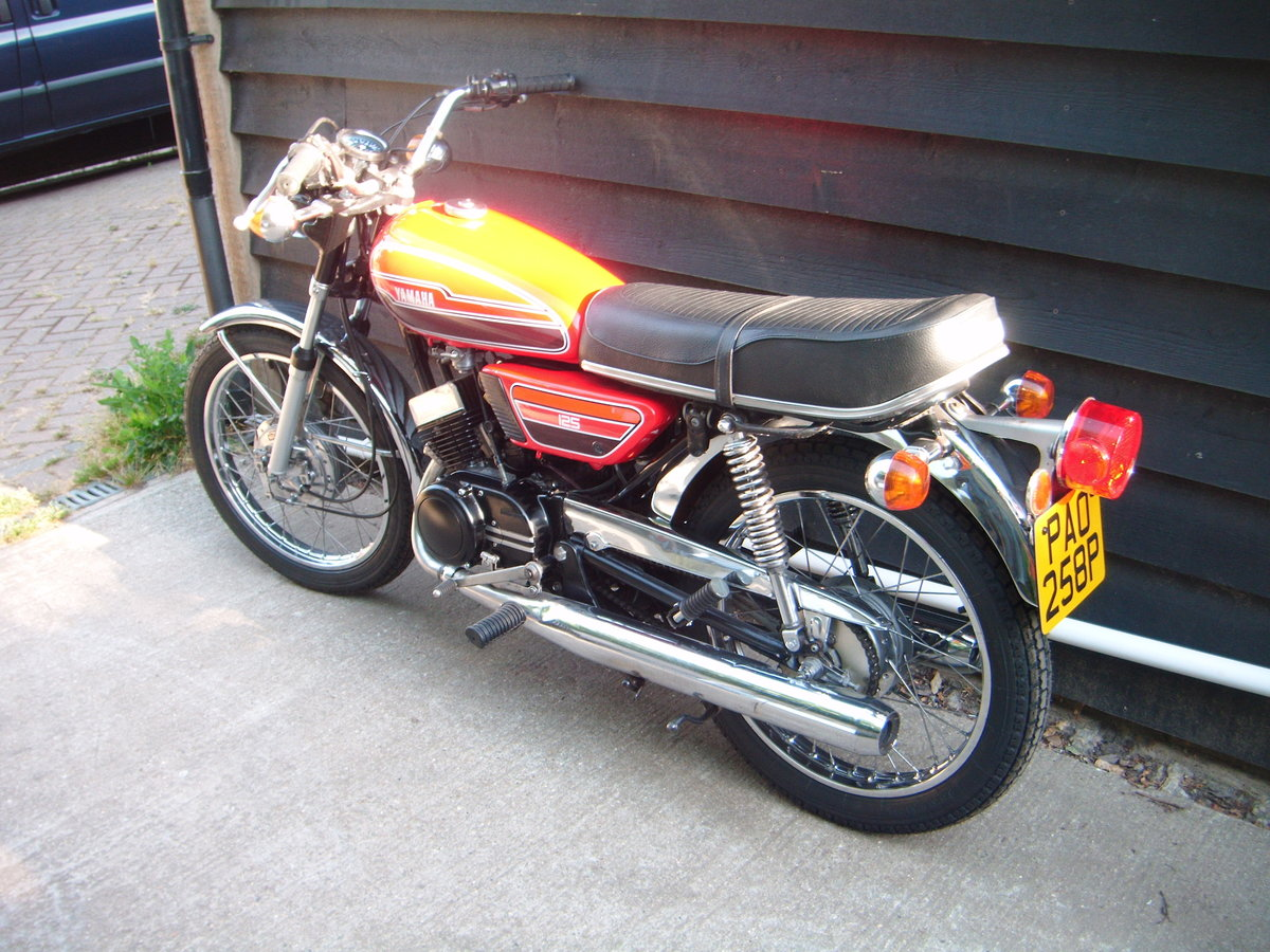 1976 YAMAHA RD125  For Sale (picture 3 of 6)