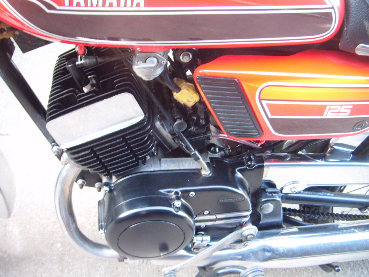 1976 YAMAHA RD125  For Sale (picture 5 of 6)