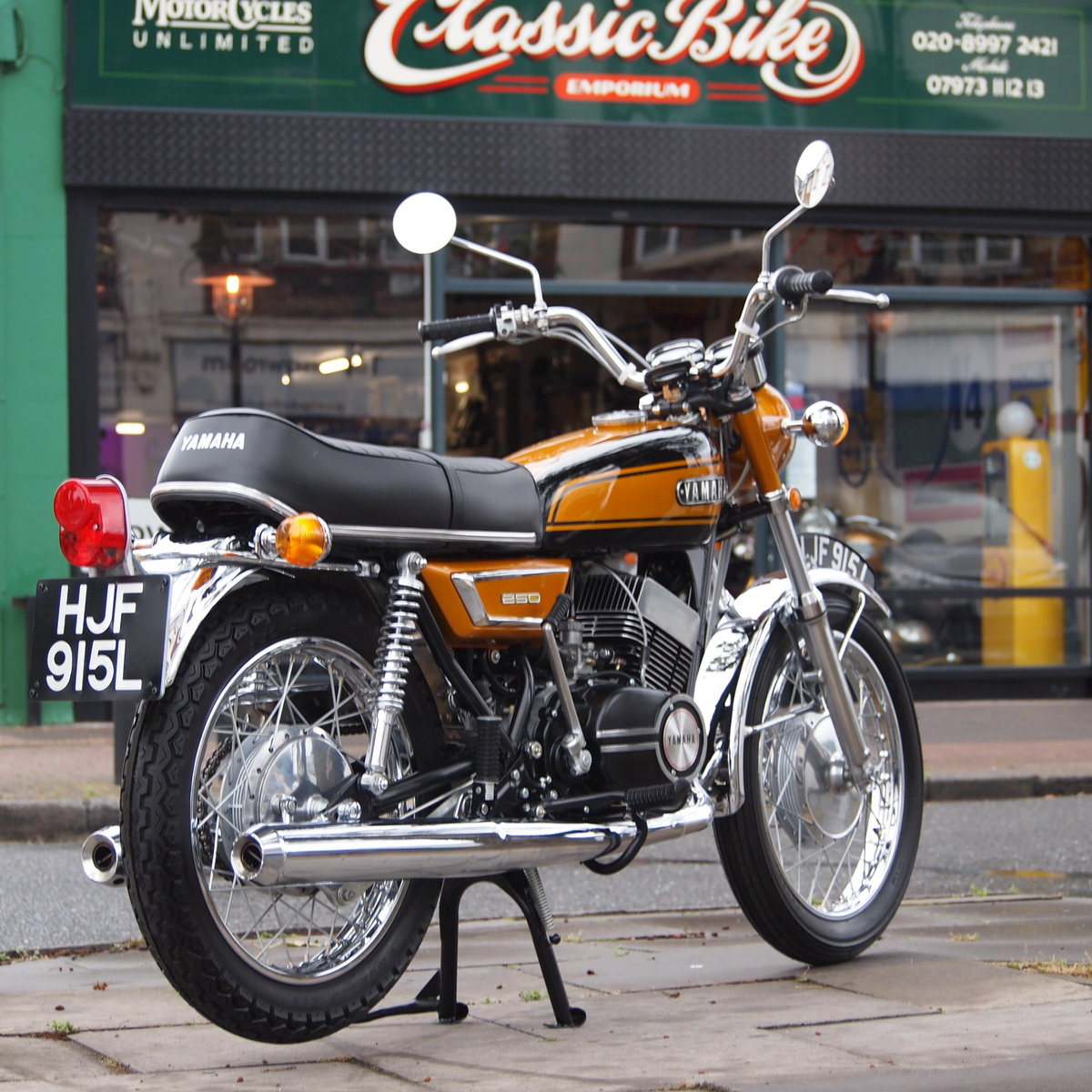 1973 Yamaha YDS7 250 In Concours d'Elegence Condition, BEST. SOLD (picture 1 of 6)