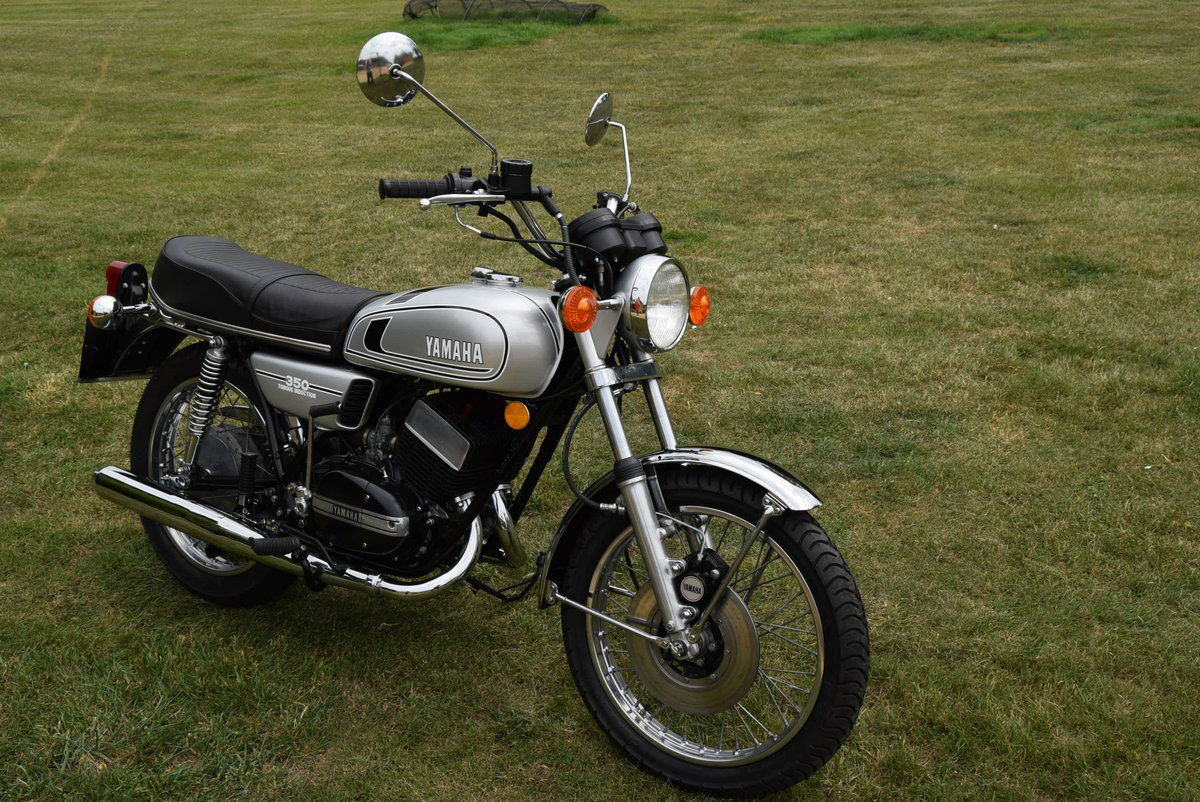 1973 Yamaha RD350 in Silver Dust Colour SOLD (picture 4 of 6)