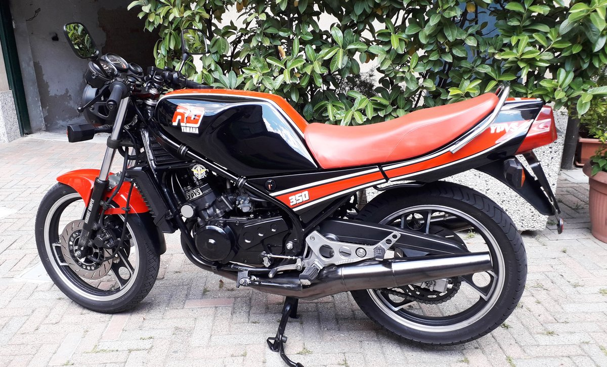 1985 Yamaha RD350 N YPVS SOLD (picture 1 of 6)