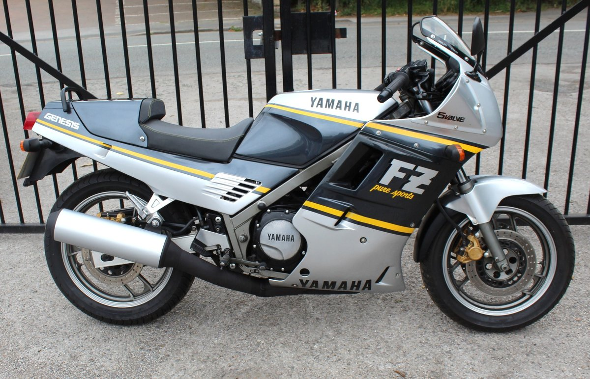 1988 Yamaha FZR 750 cc Genesis  For Sale (picture 1 of 6)