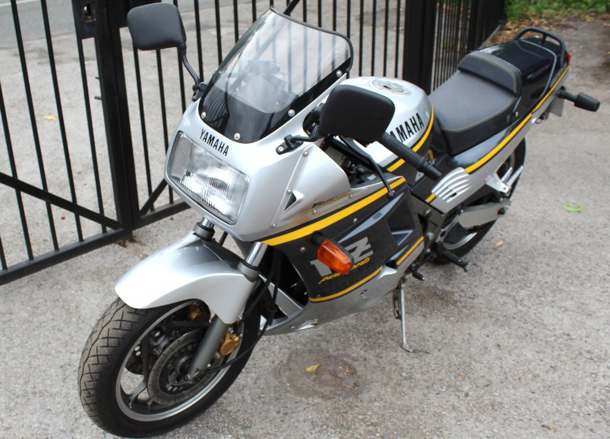 1988 Yamaha FZR 750 cc Genesis  For Sale (picture 2 of 6)