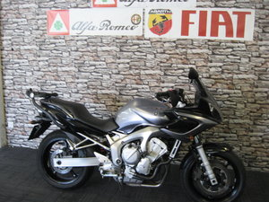 2006 06-reg Yamaha FZ6 Fazer in silver and black metallic