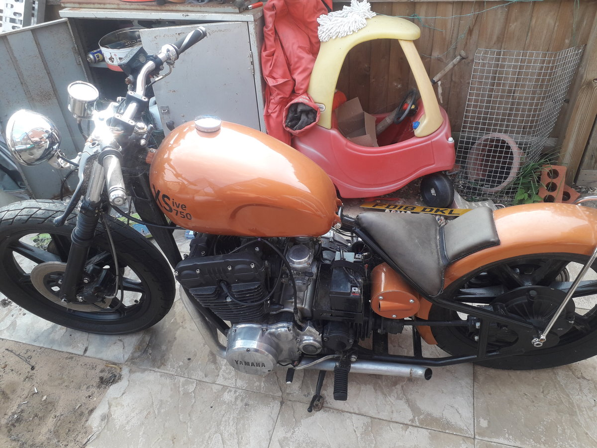 1977 Yamaha xs750 bobber For Sale (picture 1 of 4)