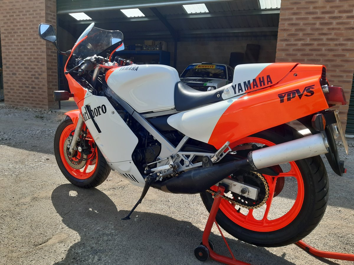 1984 Yamaha RD500lc YPVS SOLD (picture 2 of 6)