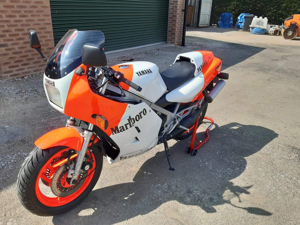 1984 Yamaha RD500lc YPVS SOLD (picture 3 of 6)