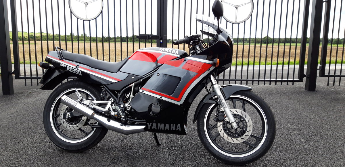 1990 Yamaha RD 350 YPVS SOLD (picture 1 of 6)