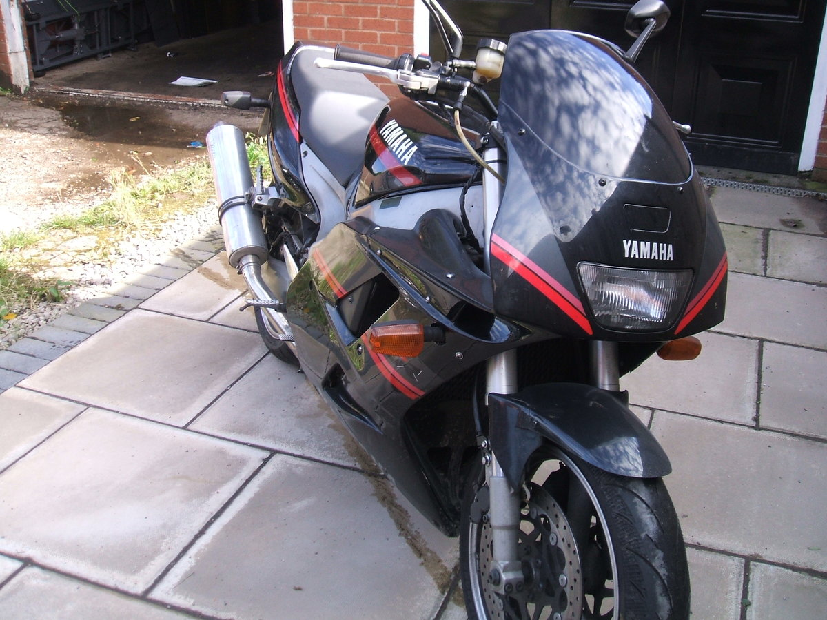 1993 Yamaha FZR1000 For Sale (picture 2 of 4)