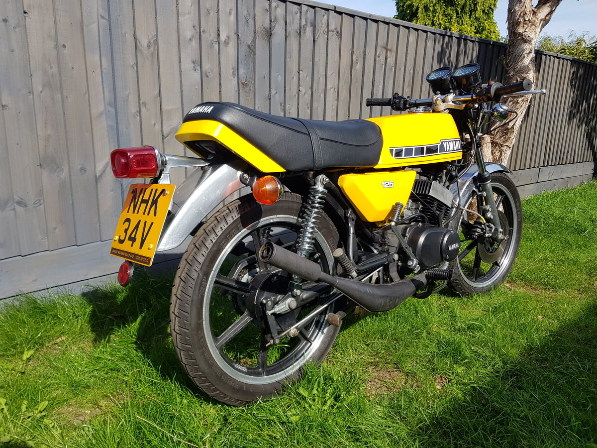 1980 Yamaha RD125 DX SOLD (picture 2 of 6)