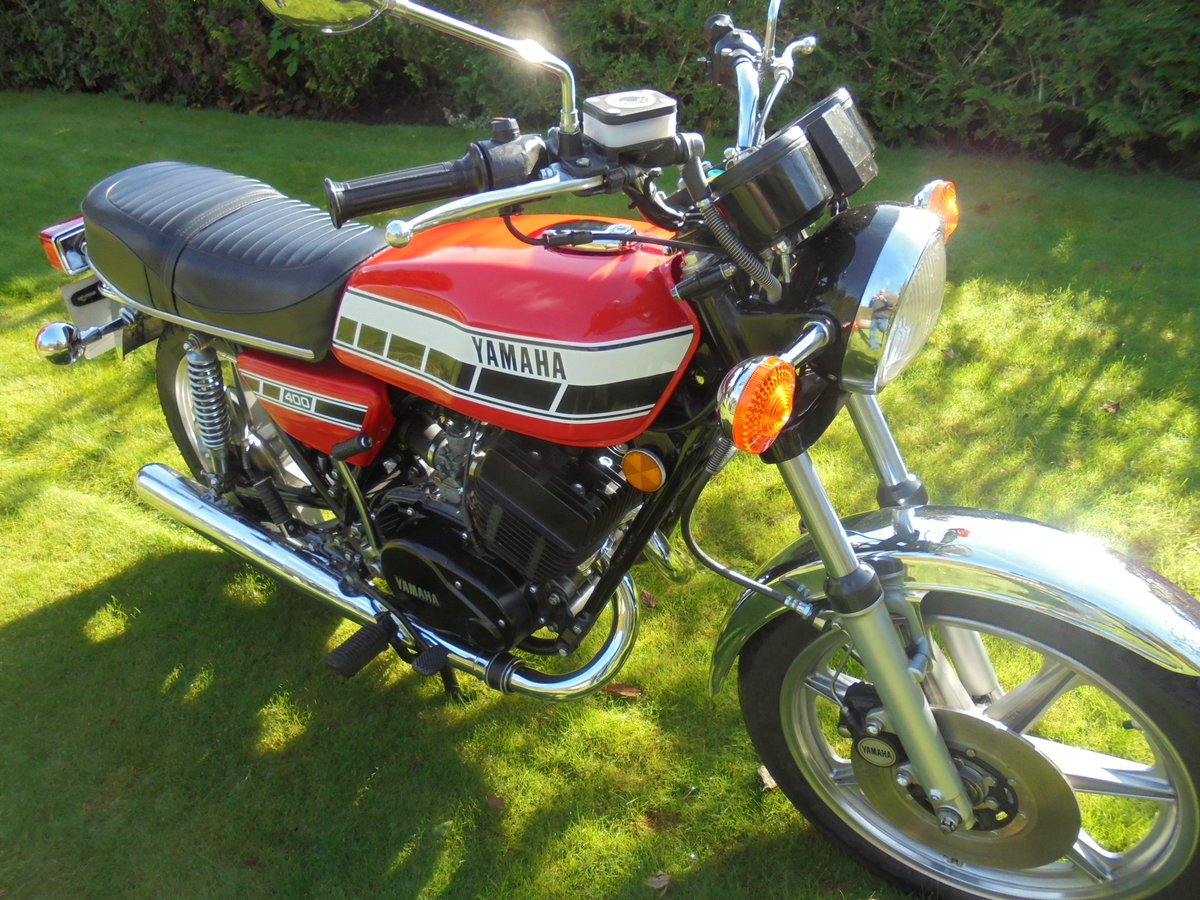 1977 yamaha rd400 pristine condition For Sale (picture 1 of 6)