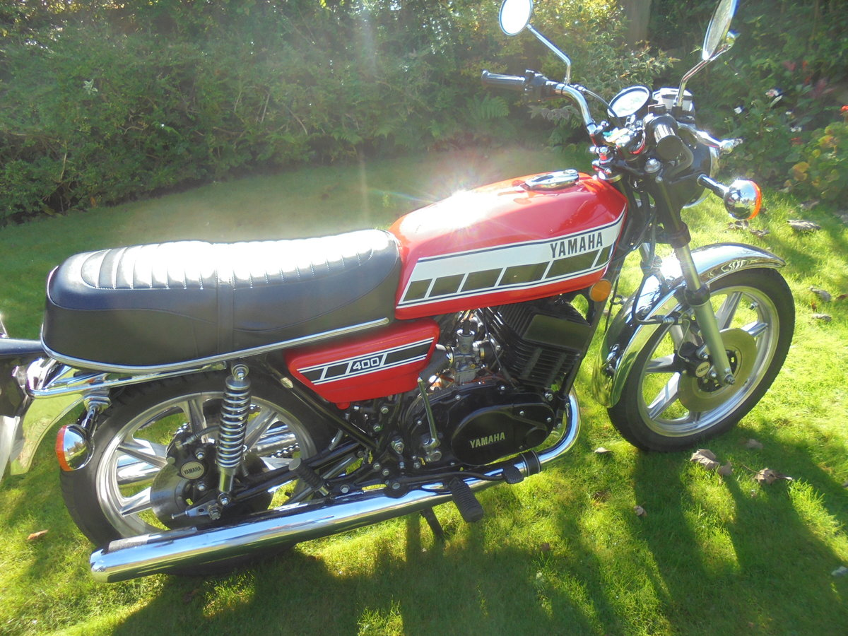 1977 yamaha rd400 pristine condition For Sale (picture 2 of 6)