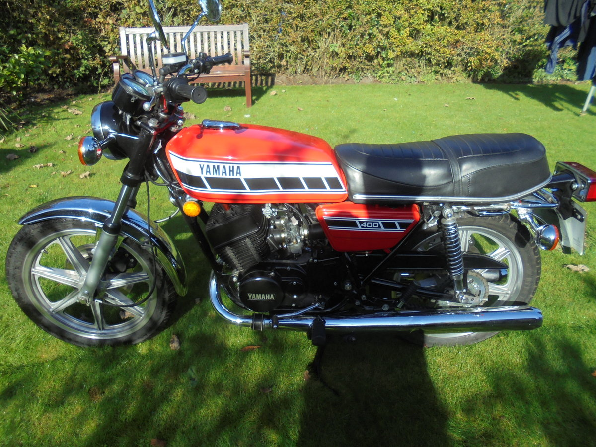 1977 yamaha rd400 pristine condition For Sale (picture 3 of 6)