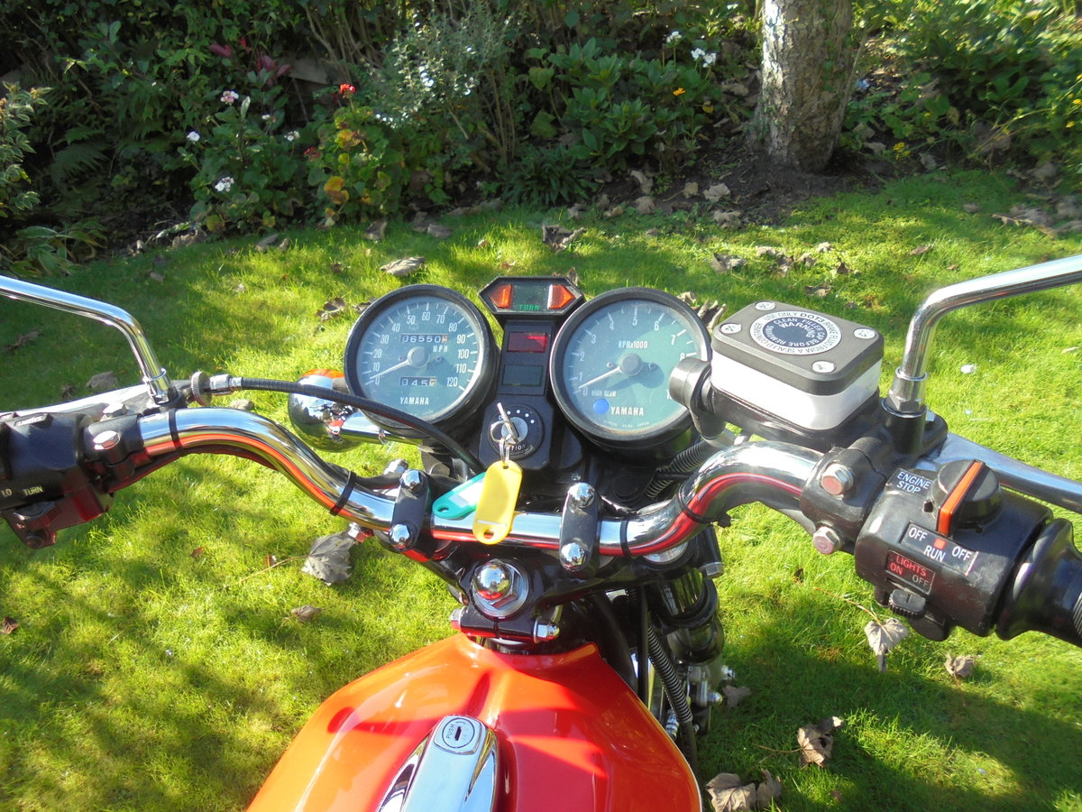 1977 yamaha rd400 pristine condition For Sale (picture 4 of 6)