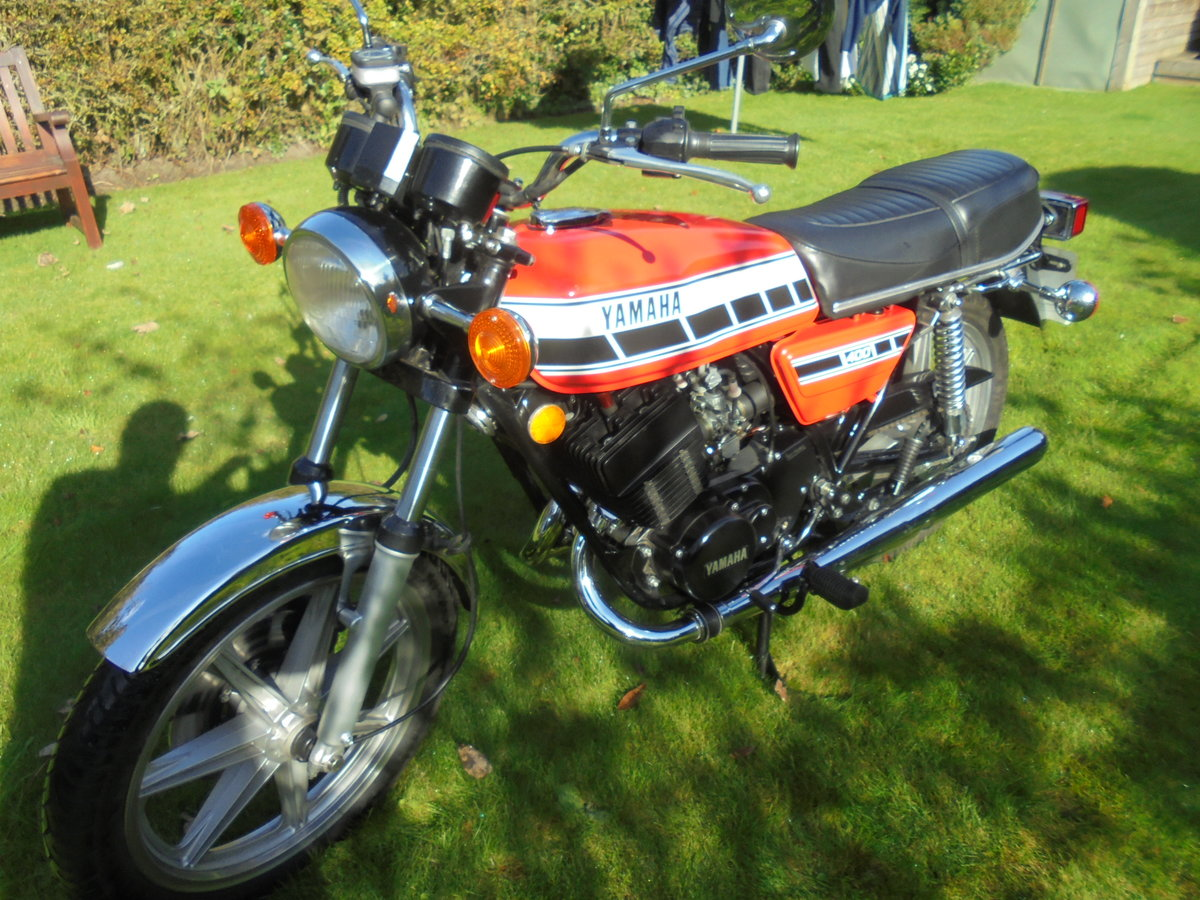1977 yamaha rd400 pristine condition For Sale (picture 5 of 6)